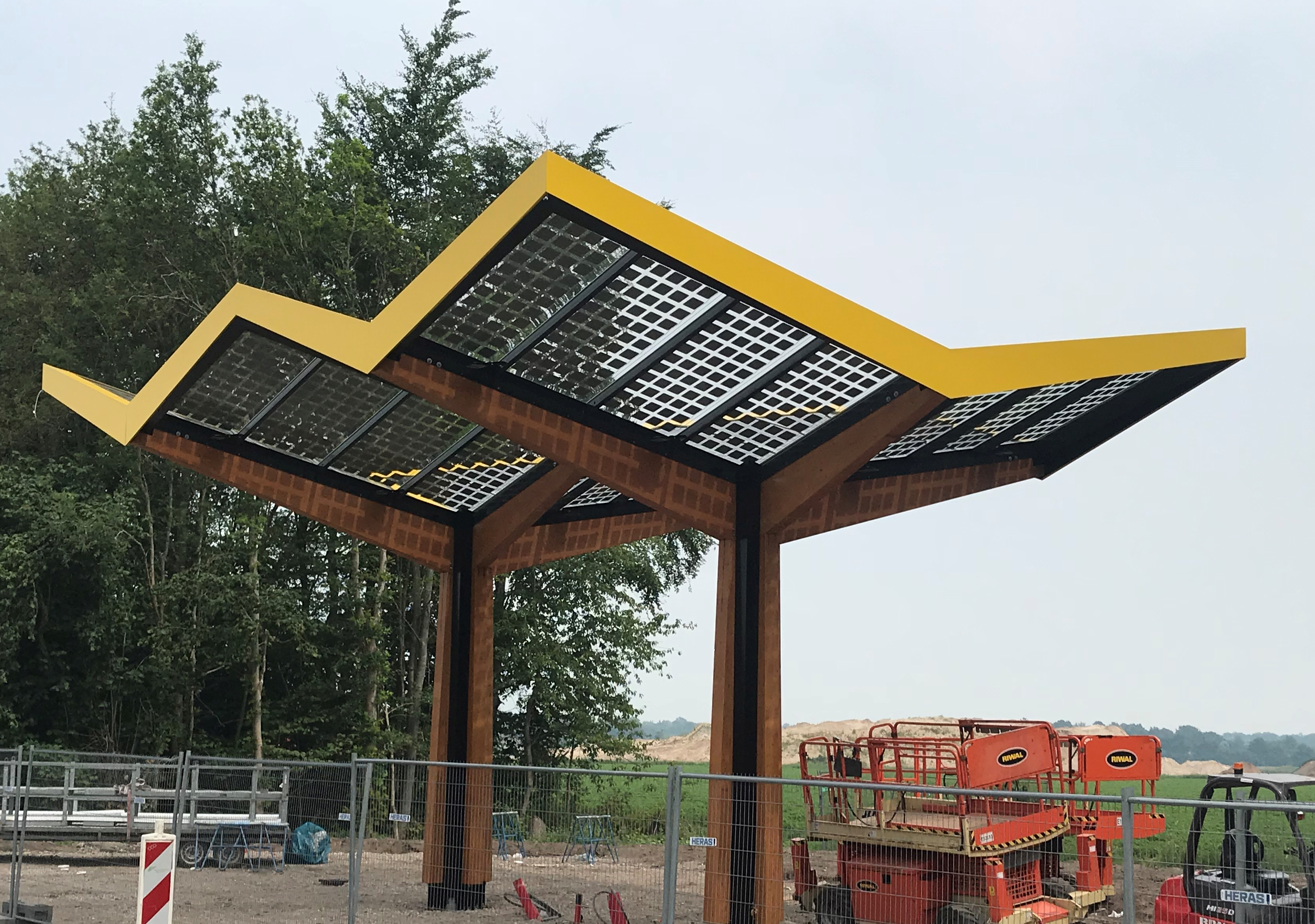 Toeleveringen: Fastned snellaadstations